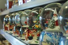Snowglobes! Great Christmas Gifts, Great Gifts, Deck, Gift Ideas, Make It Yourself, Front Porches, Decks, Decoration