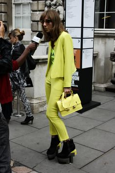 """""""MELLOW YELLOW"""" #cateyes #twopiece #trousersuit #streetstyle"""