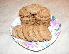 Oat Biscuits - Biscuiti de casa cu tarate de ovaz si scortisoara Sweets Recipes, Healthy Recipes, Healthy Food, Gluten Free Muffins, Cheesecake, Deserts, Food And Drink, Vegetarian, Yummy Food