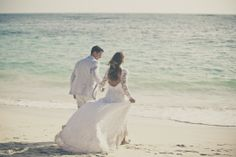 Punta Cana, Wedding Dresses, Fashion, Grey Hair, Argentina, Events, Wedding, Bride Dresses, Moda