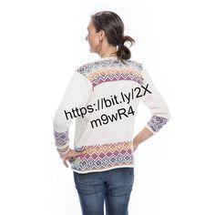 diese tolle Weste als Strickpackung erhältlich oder gerne auch als Fertigware bestellbar - Preis auf Anfrage Graphic Sweatshirt, T Shirt, Mantel, Sweatshirts, Sweaters, Women, Fashion, Color Combinations, Vest