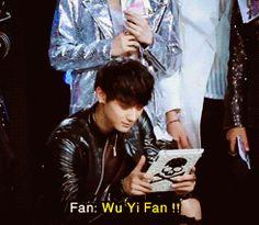 Taoris-Tao being distracted from his game by a fan shouting 'Wu Yi Fan!'
