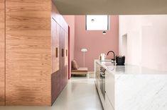 Farba na stenu do kuchyne Bathroom Lighting, Bathtub, Mirror, Furniture, Home Decor, Ambulance, Bathroom Light Fittings, Standing Bath, Bathroom Vanity Lighting