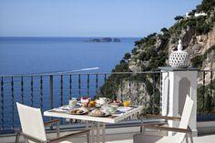Breakfast on the Terrace - Hotel Punta Regina