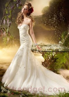Attractive Trumpet / Mermaid Sweetheart Floor-length Lace White Wedding Dresses