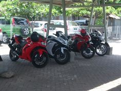 Ninja 250, Ninja 250 FI, CBR 150 FI, CBR 250 FI were captured by my Xperia S