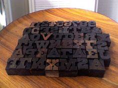 Resultados de la Búsqueda de imágenes de Google de http://www.hydroponicsonline.com/store/img-hydroponics/48-vintage-mix-graphic-printers-letter-press-type-set-wood-block-letters-numbers_170720440380.jpg
