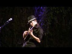 Possibly the best uke player on the planet! Jake Shimabukuro - While My Guitar Gently Weeps