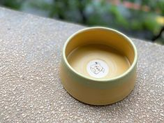 Woof! Woof!! ChillPlanet doggy bowl is now on line for sale, all of them are hand-made by QinChen-design. Neverspill cermic bowl is handcrafted and carefully designed for your lovely dog. Pet Bowls, Dog, Pets, Tableware, Handmade, Design, Diy Dog, Dinnerware, Hand Made