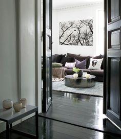 Eladó zebegényi villa - ágy - asztal - tv