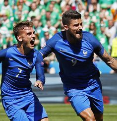 Griezmann drags France past Ireland and into the Euro 2016 quarterfinals Antoine Griezmann, Football Match, Football Soccer, Football Players, Psg, Vive Le Sport, Giroud, Le Champion, Soccer Inspiration