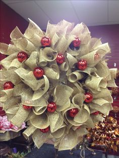 ~ Burlap Kissing Ball ~ Actually a Wreath but would be perfect for a Kissing Ball....