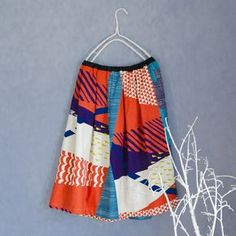Size: Skirt length This skirt is made with the wandervogel fabric from echino's 2016 collection. While tactfully featuring the graphical motif, a touch Fashion Wear, Boho Fashion, Textile Design, Fabric Design, Dress Patterns, Sewing Patterns, Love Sewing, Colourful Outfits, Pattern Mixing