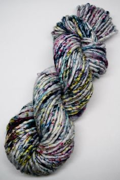 fil teint à la main, à la main de fil peint, laine peint à la main, laine mérinos superwash, bouilloire teint fil, fil encombrant, super bulky, moucheté de taches