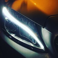 Les yeux de la nuit #mercedes #mercedesbenz #benz #led #headlights #automotive #car #design #light #night #nuit #carporn #w205 #estate