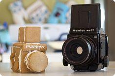 How to make gingerbread cameras by Photojojo