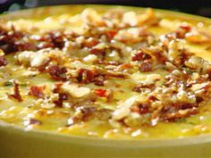Tyler Florence Bacon Mac and Cheese! The best Mac and Cheese recipe i have ever had. Best Macaroni And Cheese, Bacon Mac And Cheese, Baked Macaroni, Tyler Florence Recipes, Ultimate Mac And Cheese, Spicy Chili, Cheese Recipes, Meal Recipes, Pasta Recipes