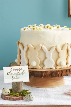Rezept Food Easy Easter Table Décor Ideas and Wow-Worthy Centerpiece. Rezept Food Easy Easter Table Décor Ideas and Wow-Worthy Centerpieces Easter Dinner, Easter Brunch, Food Cakes, Cupcake Cakes, Bolo Tumblr, Ostern Party, Diy Ostern, Cake Recipes, Dessert Recipes