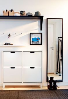 IKEA - STÄLL, Shoe cabinet with 4 compartments, white, , Helps you organize your shoes and saves floor space at the same time.In the shoe cabinet your shoes get the Ikea Design, Small Apartments, Small Spaces, Style At Home, Casa Loft, Entry Hallway, Ikea Hallway, Split Foyer Entry, Ikea Entryway