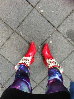 Rode laarsjes voor de regen...