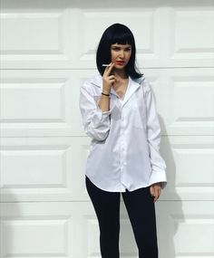 Mia Wallace pulp fiction Halloween costume Pulp Fiction Halloween Costume, Halloween 2017, Halloween Costumes, Mia Wallace Costume, Foto E Video, Wigs, Ruffle Blouse, Cosplay, Instagram