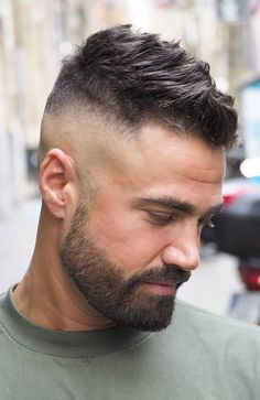 20 Cool Bald Fade Haircuts for Men – Men's Hairstyles and Beard Models Popular Mens Haircuts, Haircuts For Men, Men's Haircuts, Beard Styles For Men, Hair And Beard Styles, Short Beard Styles, Mens Hairstyles With Beard, Mens Hair With Beard, Short Hair And Beard