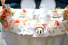Judy and Lane's Sweetheart Table at Center Club.  Photography - Cameron Leung.