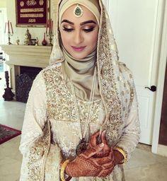#weddingoutfit #wedding #outfit #hijab Bridal Hijab, Pakistani Bridal Wear, Bridal Outfits, Bridal Dresses, Indian Bridal, Bridal Lehenga, Muslimah Wedding Dress, Muslim Brides, Pakistani Wedding Dresses