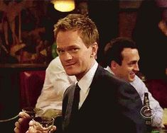 New trending GIF tagged pizza, himym, flirting, barney stinson, pub via Giphy How I Met Your Mother, Barney Stinson Gif, Mother Gif, Series Movies, Tv Series, Style Gentleman, Gif Lovers, Barney And Robin, Ted Mosby