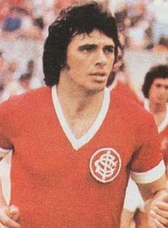Elías Ricardo Figueroa Brander (n. Valparaíso, V Región de Valparaíso, Chile, 25 de octubre de 1946. Es un ex-futbolista chileno. Es reconocido como el mejor futbolista chileno de todos los tiempos y en su puesto de defensa central ha sido considerado uno de los más grandes de la historia, junto al alemán Franz Beckenbauer.