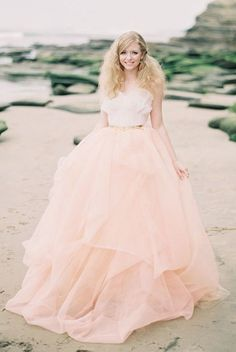 Wedding dress idea; Featured Photographer: Ashley Kelemen Photography