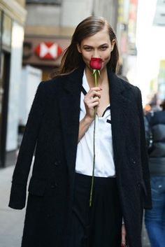 @thetop10girl gives us her definitive #top10 for #ValentinesDay. Flowers essential. http://bit.ly/1xJ3ghA