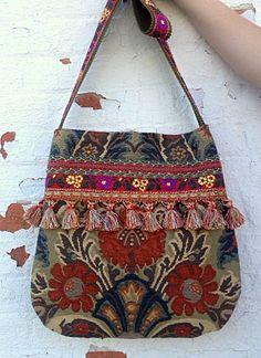 Tapestry boho bag in orange Unique Purses, Handmade Purses, Hippie Boho, Glands, Boho Bags, Vintage Mode, Quilted Bag, Fabric Bags, Little Bag