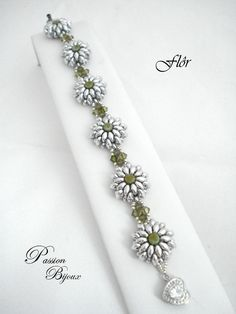 Bead sept on pinterest right angle weave beading - Bracelet original fait main ...