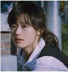 Jun Ji-hyun (전지현, born 30 October also known as Gianna Jun, is a South Korean actress. Jun Ji Hyun, Korean Girl, Asian Girl, Korean Star, Pretty People, Beautiful People, Hyun Young, Korean Actresses, Poses