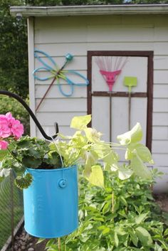 Garden Junk Art, use old tools to create funky decor for your garden