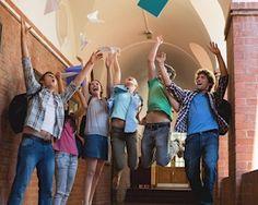 10 Fall Scholarships for High School Sophomores | Unigo
