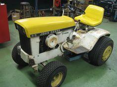 John Deere Garden Tractors, John Deere Lawn Mower, Lawn Tractors, Old Tractors, Go Kart Plans, Hobby Farms, Farm Gardens, Lawn And Garden, Farming
