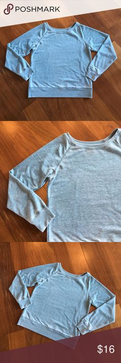 Teal Wide Shoulder Top Size small Tops