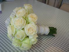 Beautiful white Roses. www.thefloweracademy.org