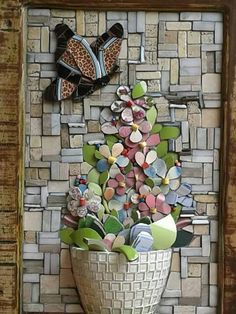 mosaic jug flowers (With images) Mosaic Garden Art, Mosaic Tile Art, Mosaic Pots, Mosaic Artwork, Mosaic Crafts, Mosaic Projects, Stone Mosaic, Mosaic Glass, Glass Art
