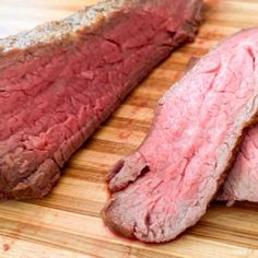 This oven roasted Tri Tip is so tender and flavorful. This is the best cut of meat. Tender like filet and tasty like a ribeye. Easy to make with this simple method. Tri Tip Oven, Oven Roasted Tri Tip, Beef Tri Tip, Jamaican Steamed Cabbage Recipe, Rare Roast Beef, Cooking Tri Tip, Candied Bacon, Roast Recipes, Paleo Recipes