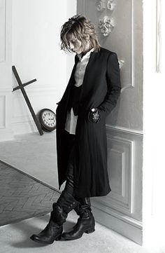 Love this photo.  Yasu is just the Vampire King. <3