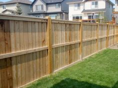 How to build a wood fence with your own hands