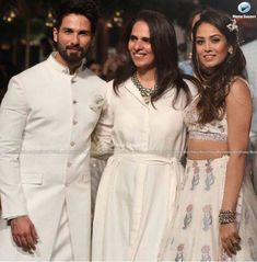 Songs Of Summer By #AnitaDongre At #LakmeFashionWeek 2018 http://movieshoovy.net/1songs-of-summer-by-anita-dongre-at-lakme-fashion-week-2018/
