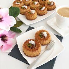 Bülbül Konagi Tatlisi – Lezizsofralar'a Hosgeldiniz Iftar, Cheesecake, Breakfast, Desserts, Food, Instagram, Morning Coffee, Tailgate Desserts, Deserts