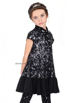 Classic holiday outfits and embellished party dresses are the perfect recipe for holiday cheer. Tween Fashion, Little Girl Fashion, Little Girl Dresses, Girls Dresses, Party Dresses, Passion Girl, Dolce And Gabbana Kids, School Dresses, Laura Biagiotti