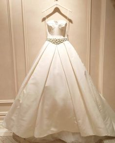 Brides looking for a princess-style gown need look no further than Vera Wang's dreamy confections | WedLuxe Magazine | #WedLuxe #Wedding #luxury #weddinginspiration #luxurywedding #weddingdress #weddinggown #fashion