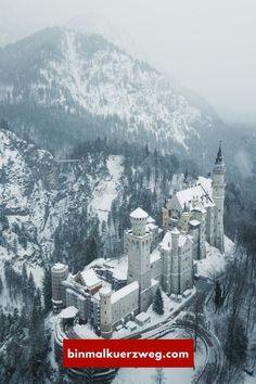 Das Schloss Neuschwanstein im Winter ist ein wunderschöner Anblick! Alles wichtige, um das Schloss optimal zu fotografieren findest Du in diesem Beitrag!