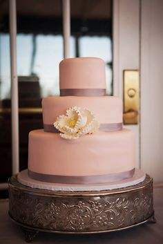 Pink Wedding Cake | LIMELIGHT PHOTOGRAPHY | CAKES BY NOMEDA | LOEWS DON CESAR HOTEL | http://knot.ly/6491BtxTV | http://knot.ly/6493BtxTX